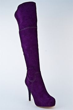 love these purple boots :)