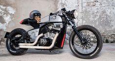 Honda Shadow VT600 Cafe Racer - Rocket Supreme. Una transformación brillante con una moto poco común. Esta Honda Cafe Racer te dejará asombrado al verla.