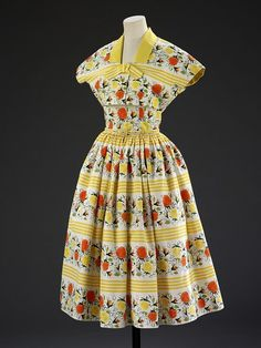Such a terrifically cheerful, completely pretty mid-50s summer dress.