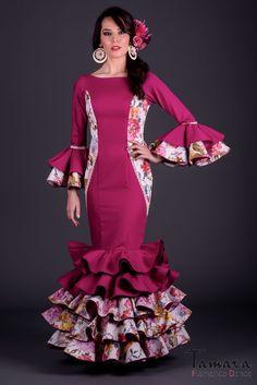 1d4ec6be059 Modelo de la coleccion flamenca 2017 de TAMARA Flamenco. Encuentralo aqui   https