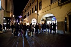 Negozio di sneakers, abbigliamento e accessori sportswear.  #awlab #sneaker  AW LAB via Roma 16 - 35122 Padova (PD)   Tel 049/8762831  Shop Online: www.aw-lab.com Follow us on Facebook: www.facebook.com/AthletesWorldItalia