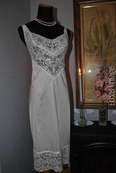 VANITY FAIR Stretch French Lace Full Dress Slip Sz 36-40 White Nylon Spandex #VanityFair #FullSlips