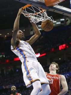 Oklahoma City Thunder forward Kevin Durant (35) dunks