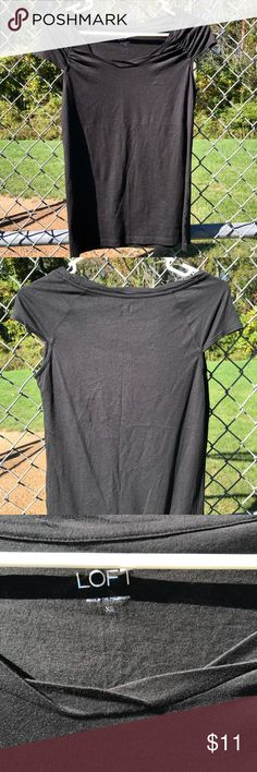 Black tee Super cute and versatile cap sleeve tee by Ann Taylor LOFT. It's in like new condition! 42BASC-42XS-WL03 LOFT Tops