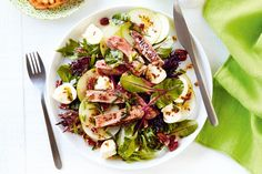 Beef with apple and bocconcini salad