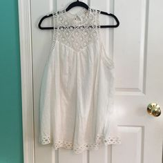 Free People Tunic Only wore it once for graduation. Super cute as a sun dress with cowboy boots or throw some leggings underneath! Free People Dresses Mini