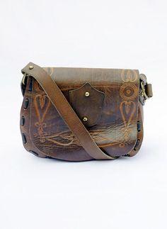 Vintage handbewerkte tuigleer hippie tas available at www.secondhandnew.nl