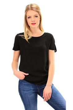 MANILA GRACE - T-Shirts - Abbigliamento - Blusa in viscosa con chiusura a bottoncino con scollo a goccia sul retro. Fondo asimmetrico. - MD196 - € 73.00