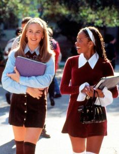 Clueless Outfit Ideas 5 style lessons you can get from the movie clueless glam Clueless Outfit Ideas. Here is Clueless Outfit Ideas for you. Clueless Outfit Ideas cher horowitz clueless diy costume idea in 2019 clueless. Look 80s, Look Retro, Clueless Fashion, 2000s Fashion, Cher Clueless Outfit, Clueless Costume, Clueless Cher And Dionne, Dionne Clueless Outfits, Clueless 1995