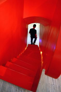 RED INTERIOR DESIGN | Interior Design Modern Red Town Office by Taranta Creations - design ...