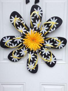 Flip flop wreath by BellaWreaths2476 on Etsy