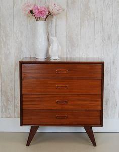 Midcentury Scandinavian vintage dresser - www.bijCharlie.nl