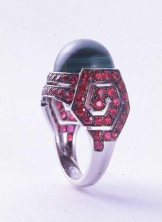 Boucheron par Solange Azagury-Partridge [Bague collection Not Bourgeois] | Les Arts Décoratifs