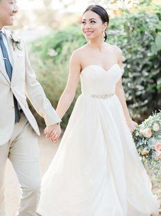 Tendance Robe du mariage 2017/2018  Strapless Hayley Paige wedding dress: www.stylemepretty   Photography: Honey