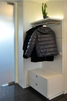 idee arredamento casa interior design pinterest ingresso moderno e scale. Black Bedroom Furniture Sets. Home Design Ideas