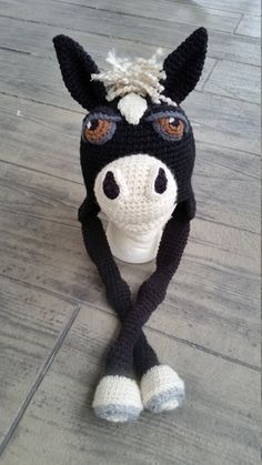 Crochet Hats Horsin Around Hat - A fun hat for everyone. Use different color combinations to make a whole herd of horses. Pattern is written using American standard terms. Lot's of photos to help along the way. Crochet Animal Hats, Crochet Horse, Crochet Kids Hats, Crochet Beanie Hat, Knit Crochet, Crochet Character Hats, Single Crochet Decrease, Crochet Baby Blanket Beginner, Crochet For Beginners