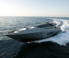 Riva 86 Domino ~ okay, so it is not a car, I know. But would still like to have this in my Dream Fleet.
