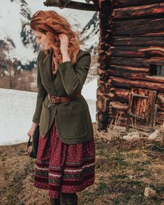 Take a look at the new collection of the Lena Hoschek Tradition line for the spring/summer 2020 and shop it online! Casual Outfits, Fashion Outfits, Mode Vintage, Mode Style, Pretty Outfits, Fashion Beauty, Winter Fashion, Vintage Fashion, Style Inspiration