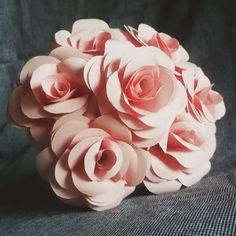 Buket mawar kertas