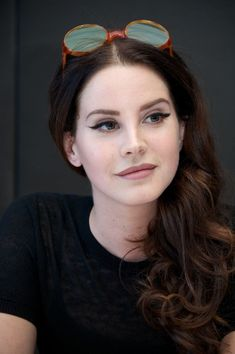 Lana Del Rey has killed your life 30 times with her eyeliner - style - . - Lana Del Rey has killed your life 30 times with her eyeliner – style – # - Elizabeth Woolridge Grant, Elizabeth Grant, Angelina Jolie, Couleur L Oreal, Selena Gomez, Idda Van Munster, Make Up Gesicht, Curly Hair Styles, Anti Feminist