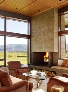 An amazing collection of modern fireplace design ideas! (Image Courtesy of Carney Logan Burke Architects) Home Fireplace, Fireplace Surrounds, Fireplace Design, Concrete Fireplace, Fireplace Modern, Fireplace Hearth, Corner Fireplaces, Craftsman Fireplace, Vintage Fireplace