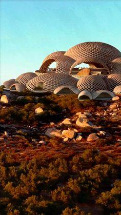 Modern Architecture Design, Hotel Architecture, Futuristic Architecture, Landscape Architecture, Mexico Destinations, Unique Buildings, Amazing Decor, Hotel Lobby, Baja California
