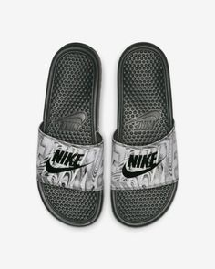 the best attitude 4e785 ecec9 Claquette Nike Benassi JDI Printed pour Homme. Diapositives ...