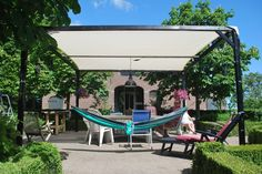 En weer een tevreden klant met een ZONZ sunsails schaduwdoek en een MoreThanHip eco & fair design hangmat!  www.zonz.nl