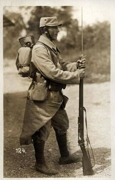 A french soldier at sentry duty, 1915. Note how long is the Lebel Rifle mod. 1886. The Lebel was the longest rifle to be used during the war (besides anti-tank rifles), by that it proved to...