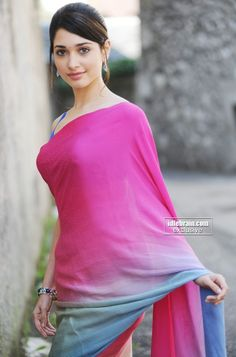 Tamanna Bhatia Looking Gorgeous In Pink and Blue Saree ★ Desipixer ★ Indian Celebrities, Bollywood Celebrities, Bollywood Actress, Hot Actresses, Beautiful Actresses, Indian Actresses, Blue Saree, Glamour, Charms