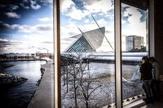 Cold and Snowy Sunset at MAM. From my series of images showing people making use of and enjoying the museum space.  #architecture #architecturelovers #architectureporn #coolarchitecture #modernarchitecture #archilover  #milwaukeeartmuseum  #mkexplore #milwaukeeart #mkehome #milwaukeehome #milwaukeesbest  #milwaukeeartmuseum #midwest #mke #mke_illgrammers #ig_milwaukee #visitmilwaukee #sunset #picoftheday #winter #snow #cool