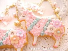 フェイクスイーツ&ドール Kawaii Jewelry, Craft Things, Idee Diy, Mini Things, Decoden, Clay Miniatures, Miniature Food, Art Tips, Fasion
