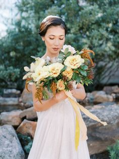 Stunning Fall Florals Wedding Inspiration – Amy Odom Photography – Brighton Abbey – Bridal Musings 25