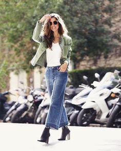 Nossa inspiração casual mas cheia de estilo para essa terça-feira no look da bela Fhits carioca @luizabsobral: blazer verde militar  pantacourt jeans desfiada total @hering_oficial  Fácil e certeiro!  #FhitsTeam #FhitsTips #FhitsTrendAlert