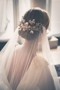 hairpiece with detachable veil?