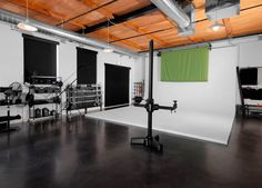 A few weeks ago we shared a custom-built workspace by a photographer named Tom Brinckman. This week we have a glimpse into photographer Dan Jahn's dream st Photography Studio Equipment, Photography Studio Setup, Photography Contract, Photography Journal, Dream Photography, Photography Books, Photography Courses, Photography Backdrops, Video Photography