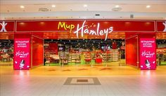 On 4th March 2017 another Russian Hamleys celebrated its grand opening event in Moscow. The new location opened on the second storey of Zolotoy Vavilon shopping centre on Mira Prospekt occupying 5,000 square metres of space. The new Hamleys world store opened within the 20,000-square-metre dedicated children's area at the mall.  #hamleys #moscow #thelocationgorup #shopopening #storeopening #elocations