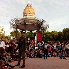 Animación en el Parque de las Marionetas, este fin de semana se celebra en el Parque Grande (justo al lado del Quiosco de la Música). Teatro, títeres y circo para grandes y pequeños #pilar15 #pilares2015 #teatro #zaragoza #regalazaragoza #zaragozapaseando #zaragozaturismo #zaragozadestino #miziudad #zaragozeando #mantisgram #magicaragon #loves_zaragoza #loves_aragon #igerszaragoza #igerszgz #igersaragon #instazgz #instamaños #instazaragoza #zaragozamola #zaragozacity #quehacerenzgz