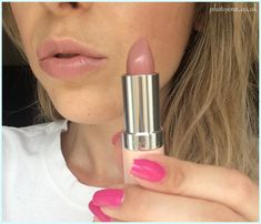 Rimmel-London-Kate-Moss-Nude-lipstick-45-swatch-on-lips