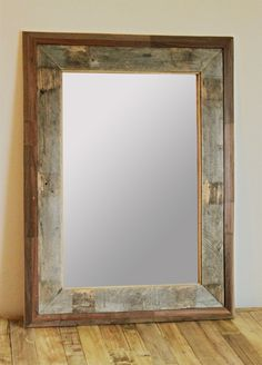 Reclaimed Wood Mirror - Pallet Project