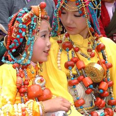 Tibet - mother and daughter