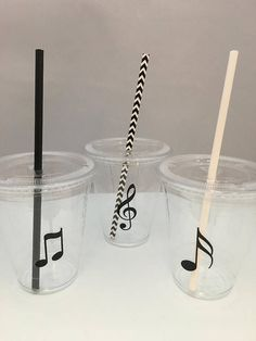 These 12oz plastic cups with lids and straws are perfect for a Music theme party, Classical music party, rock star party, dance party or tween or teen party. Clear plastic drinking cups with lids with a variety of different music note designs with lids and choice of straws - choose your color or color combination when you order Take a look in our store for other party supplies: https://www.etsy.com/shop/MadHatterPartyBox We are happy to combine shipping if you order multi...