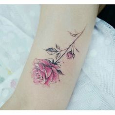 The watercolor flower tattoos done this year are sensational! Here are the most captivating flower tattoos done this year, they will not disappoint. Mini Tattoos, Body Art Tattoos, Small Tattoos, Tatoos, Watercolor Rose Tattoos, Pink Rose Tattoos, Flower Tattoos, Watercolour, Tattoos For Women Flowers