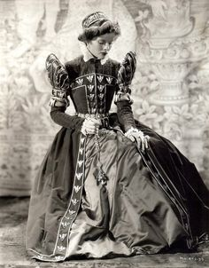 Kate Hepburn as Mary, Queen of Scots - beautiful actress portraying one of my favorite historical figures.