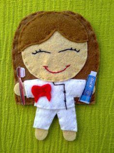 Broche, coletero o diadema de muñeca de fieltro. dentista o higienista dental.