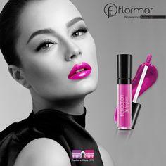 El encanto del #fucsia ... Nuestro Reflection Lip Gloss fucsia tiene diminutas partículas brillantes para un aspecto más llamativo