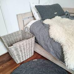 Ting tar tid. Har ennå ikke fått opp bildelister...pluss, pluss. Men en seng har vi fått inn #teppe#fra#bloomingville #og #pledd #fra#metteditmer #sengetøy #fra #oyoy #alt#kan#du#kjøpe#hos#dinevakreting #gutterom #oppussing #soverom #sovekrok #kurv#oppbevaring #interiør #interior