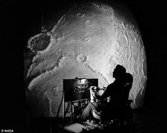 The Flight Simulator NASA Created for the First Astronauts Landing on the Moon, Langley Research Center in Virginia… Dec. Apollo Moon Missions, Apollo 11 Moon Landing, Nasa Images, Moon Images, Moon Landing Photos, Nasa Langley, Nasa Engineer, Lunar Lander, Fotografia
