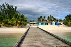 La jetee du village de pecheurs sur l'ile de Saona - Republique Dominicaine