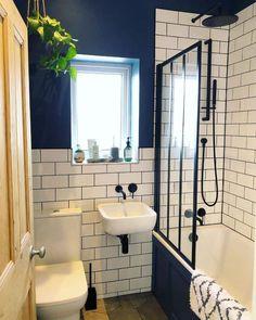 Small Bathroom Floor Plans, Small Bathroom Paint, Small Bathroom Interior, Very Small Bathroom, Tiny Bathrooms, Bathroom Design Small, Black And White Bathroom Ideas, Modern Bathroom, Black White Bathrooms